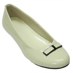"""Affordable Notable Cream Ballerinas"